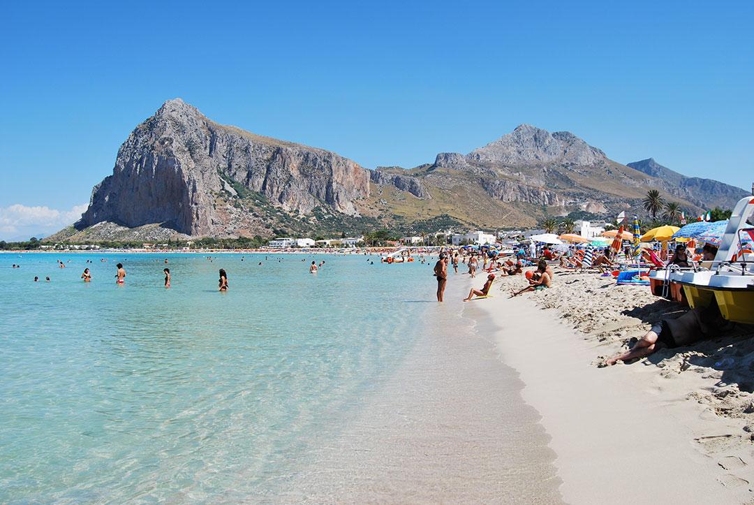 La spiaggia cittadina di San Vito Lo Capo
